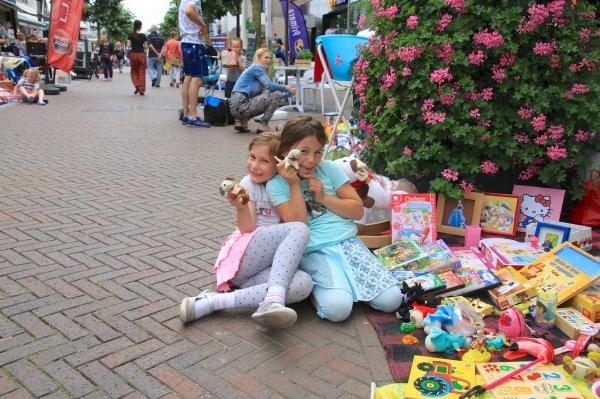 Kinderrommelmarkt in Dorpshart Lisse