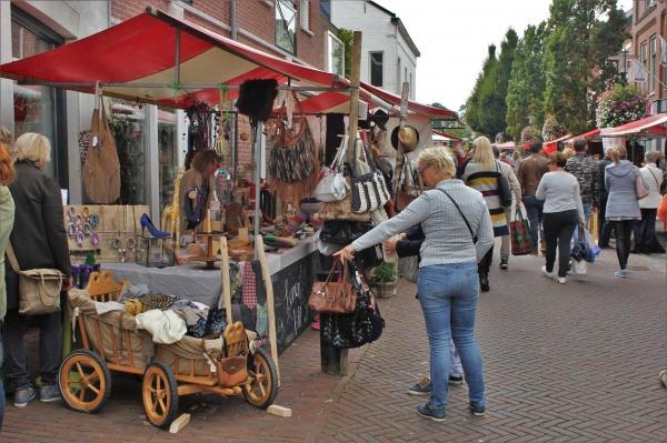 Hollandse Dag met Markt en Koren